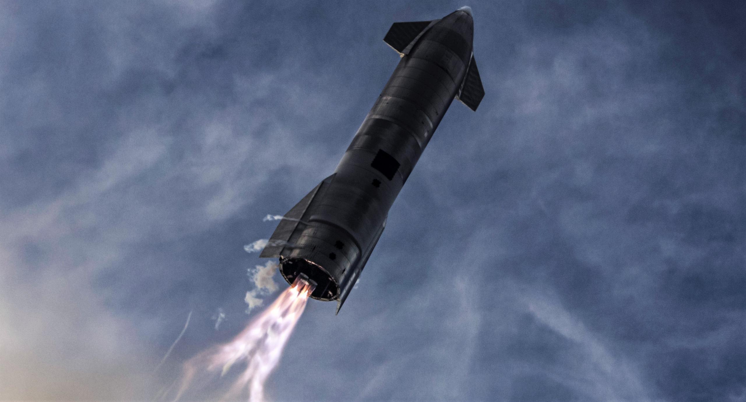 Starship SN10 030221 (SpaceX) flip burn 1 crop (c)