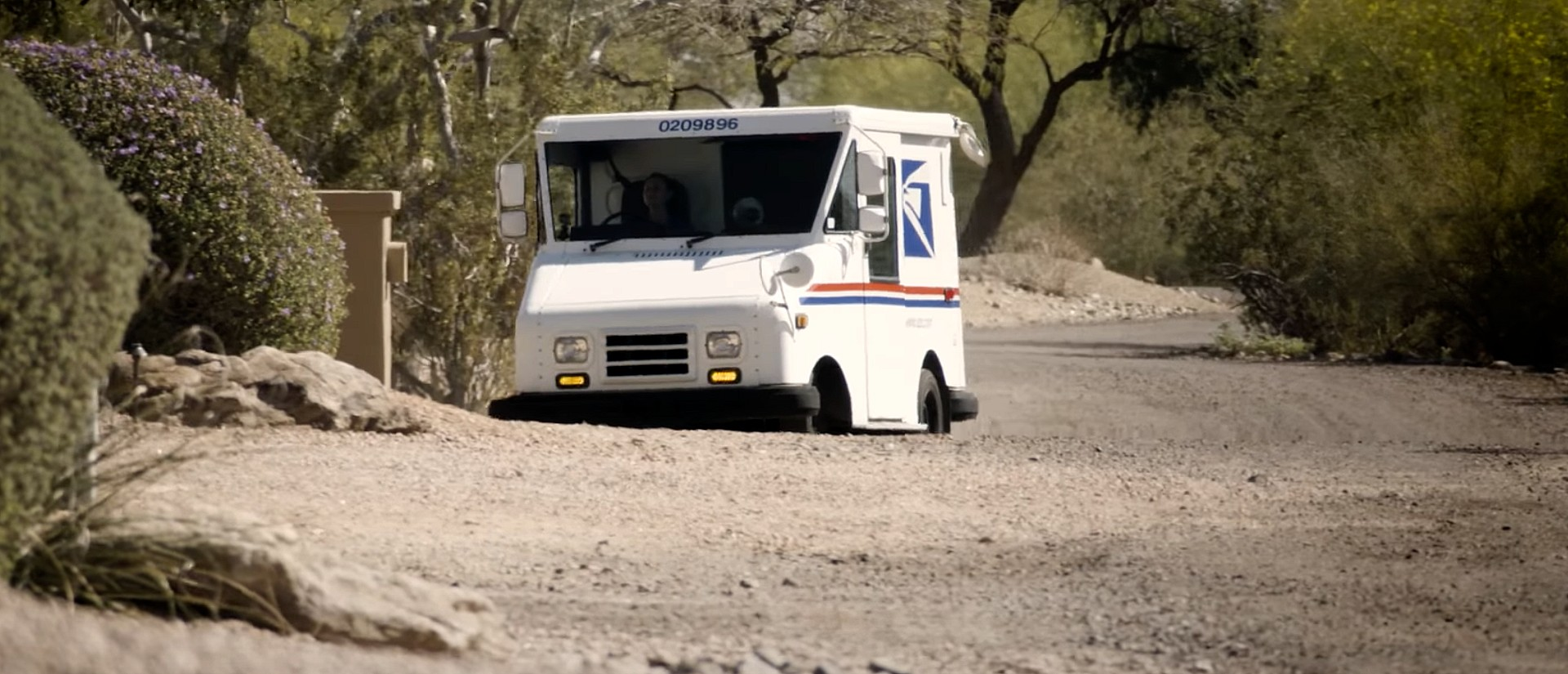 usps-delivery-vehicle