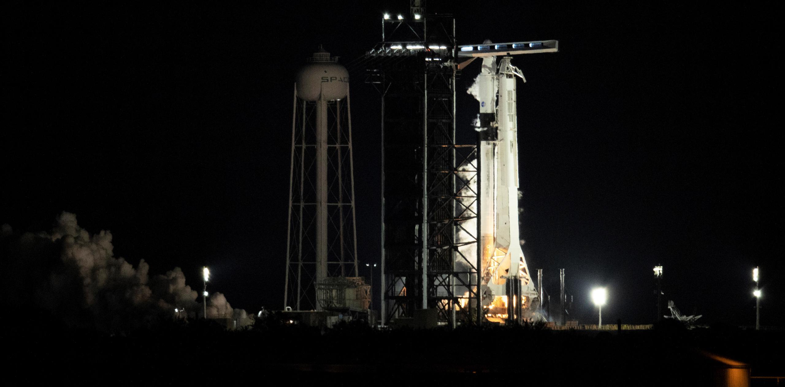 Crew-2 Crew Dragon C206 Falcon 9 B1061 39A 041721 (NASA) static fire 2 crop (c)