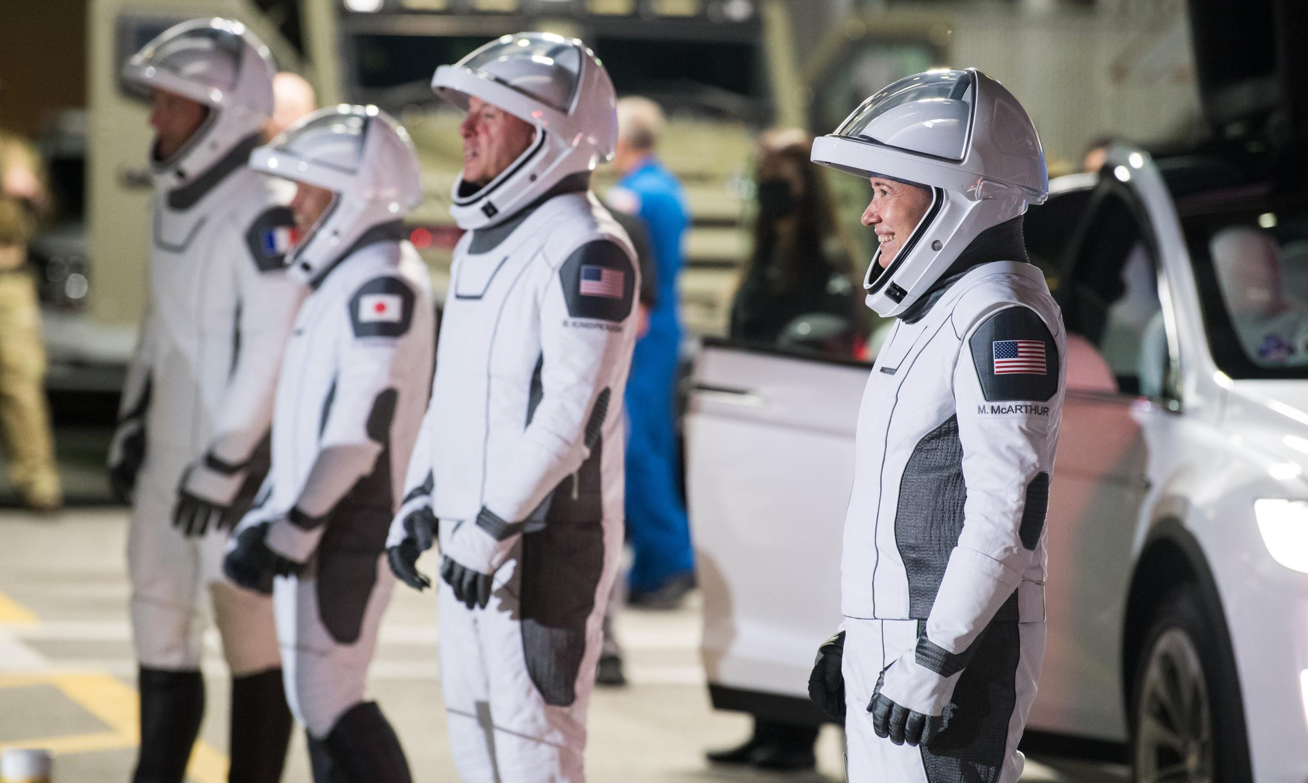 Crew-2 Crew Dragon C206 Falcon 9 B1061 39A 041821 (NASA) dry dress 1 crop (c)