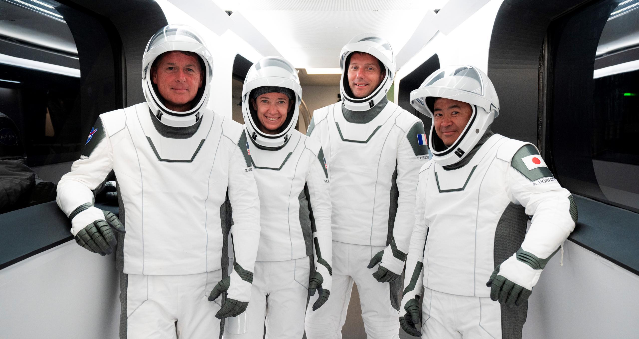 Crew-2 Crew Dragon C206 Falcon 9 B1061 39A 041821 (SpaceX) dry dress CAA 1 crop (c)