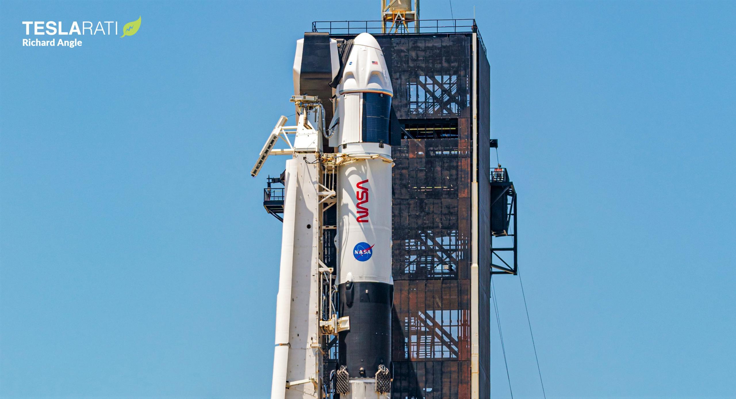 Crew-2 Crew Dragon C206 Falcon 9 B1061 39A 042221 (Richard Angle) 5 crop 4 (c)