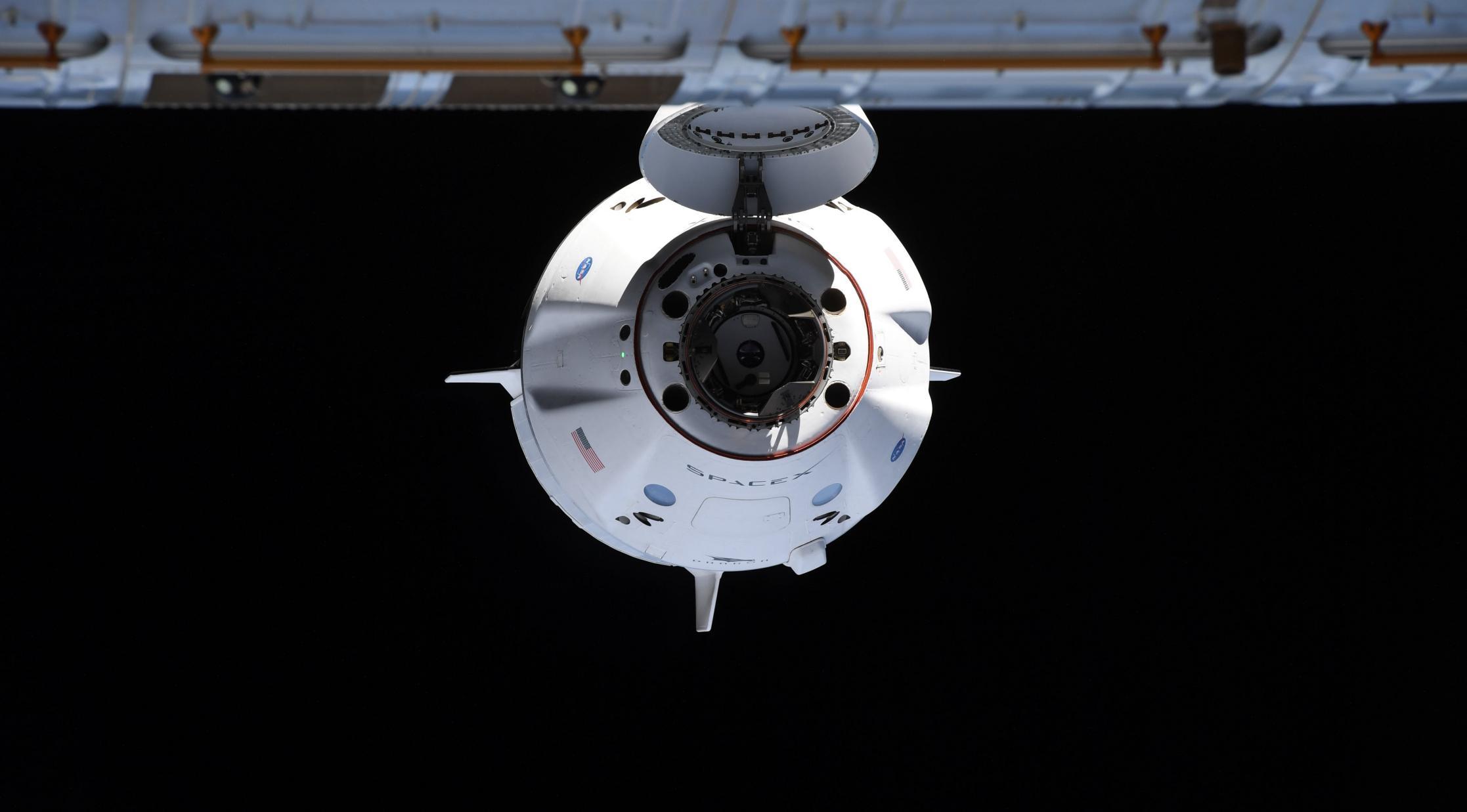 Crew-2 Crew Dragon C206 orbit ops 042421 (NASA) ISS arrival 3 crop (c)