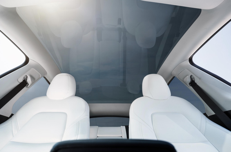 Tesla-model-y-glass-roof