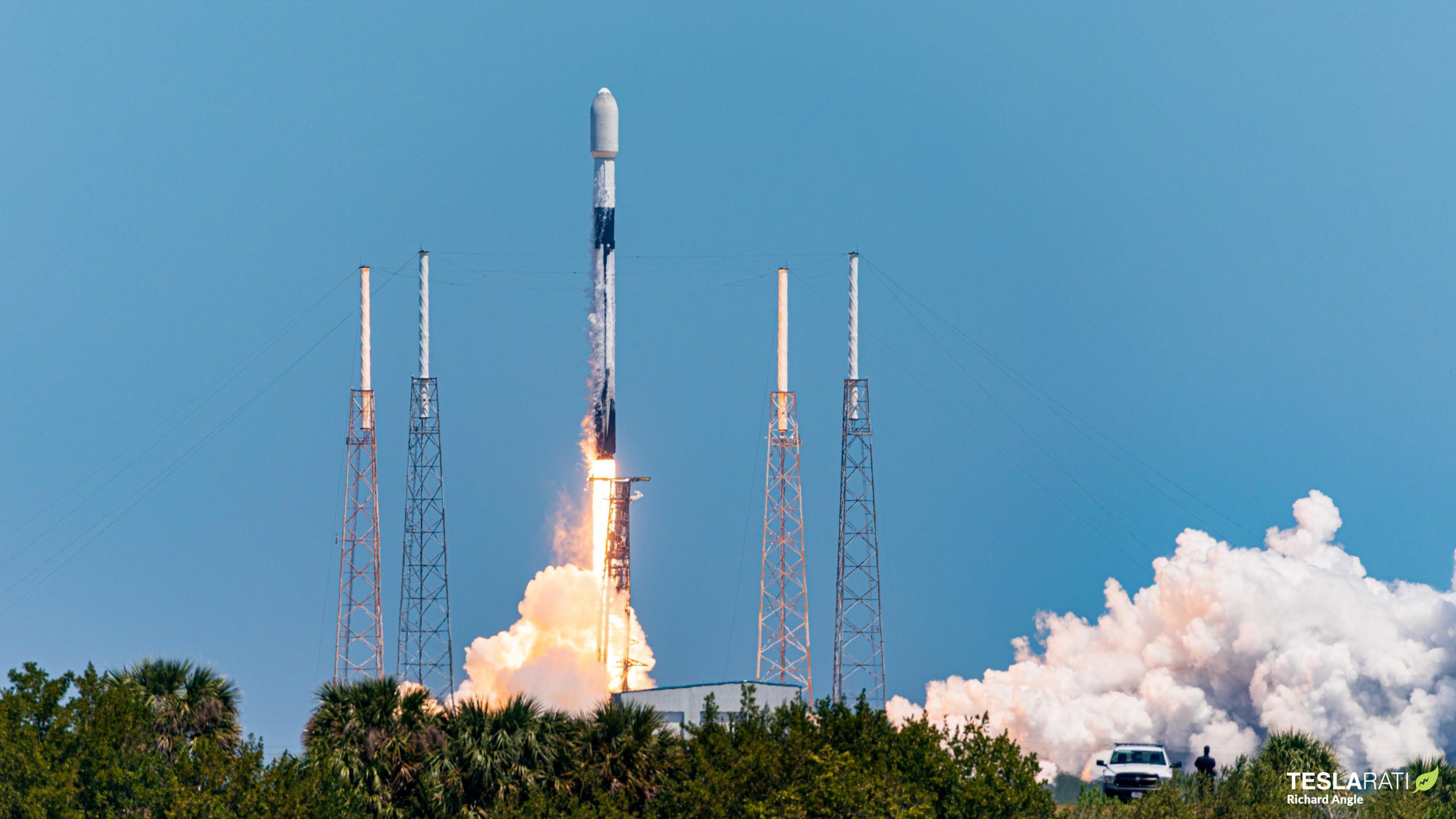 Starlink-23 Falcon 9 B1058 LC-40 040721 (Richard Angle) launch 1 (c)