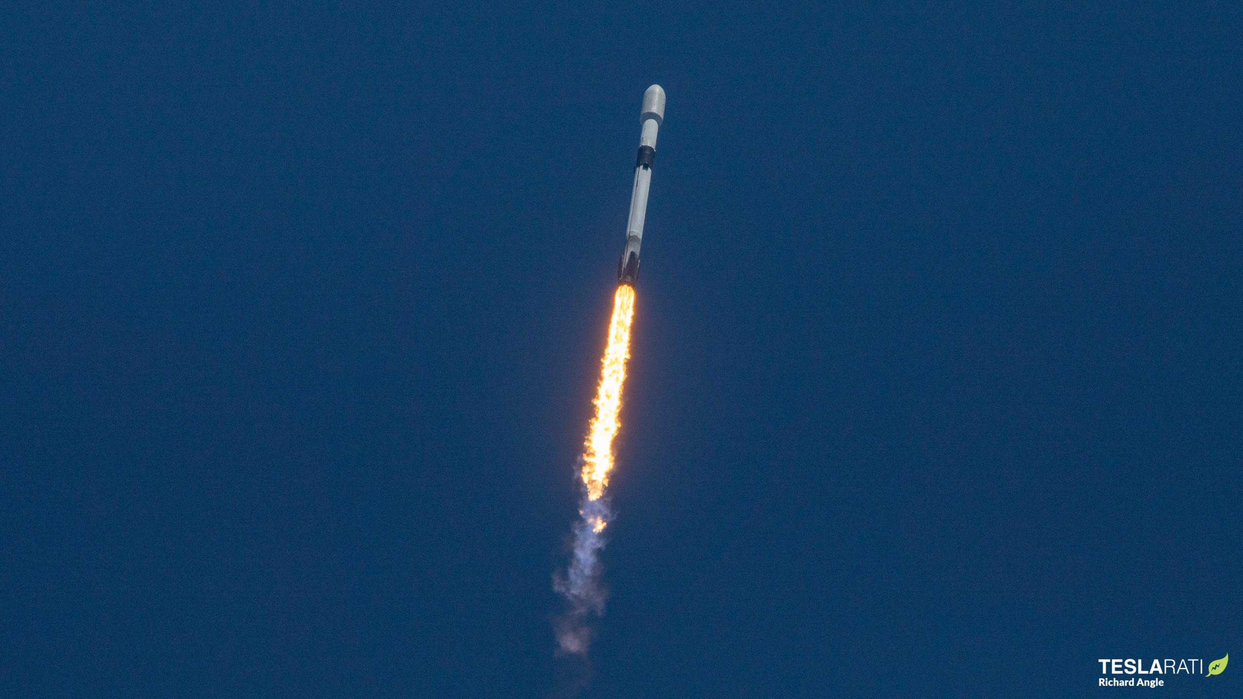 Starlink-23 Falcon 9 B1058 LC-40 040721 (Richard Angle) launch 2 (c)
