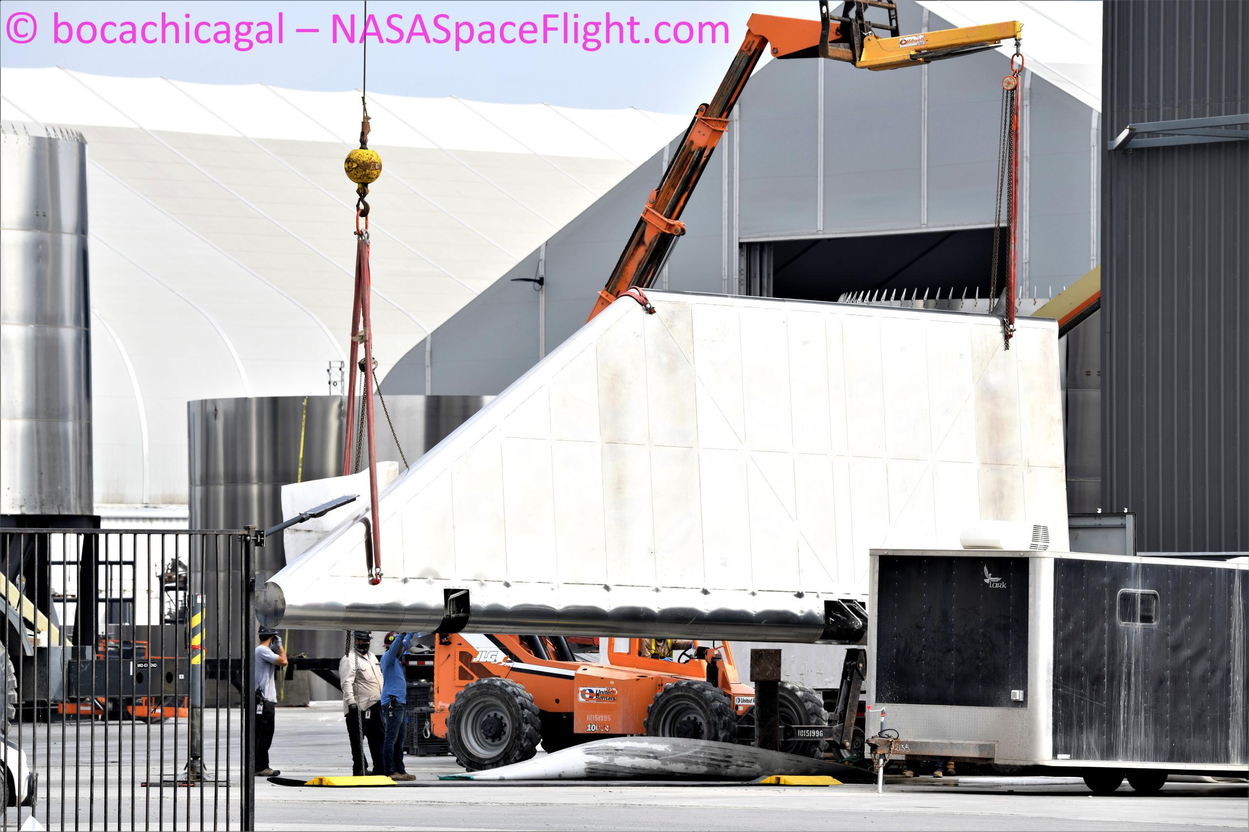 Starship Boca Chica 033121 (NASASpaceflight – bocachicagal) SN15 aft flap install 4 (c)