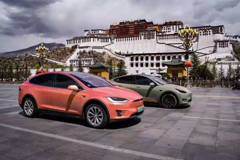 Tesla-China-Supercharger-Mount-Everest