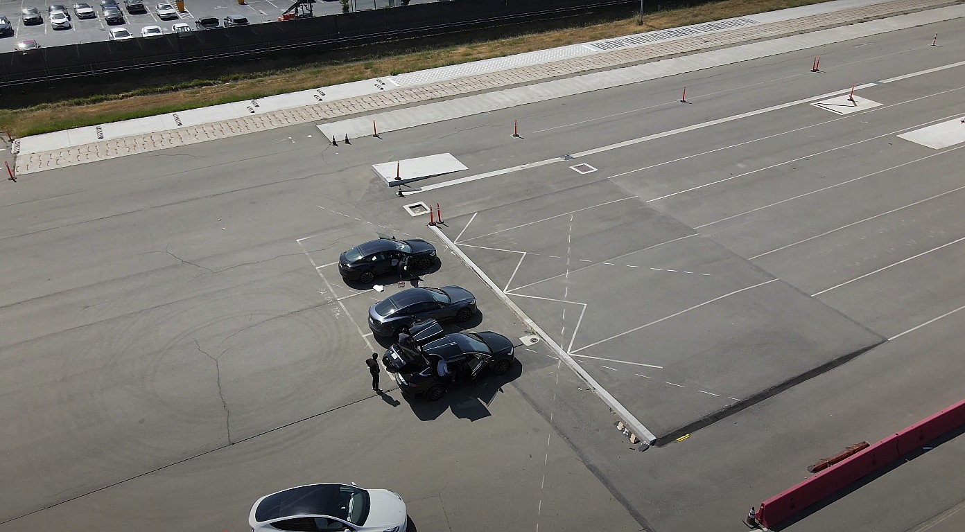 plaid-model-s-model-x-test-track