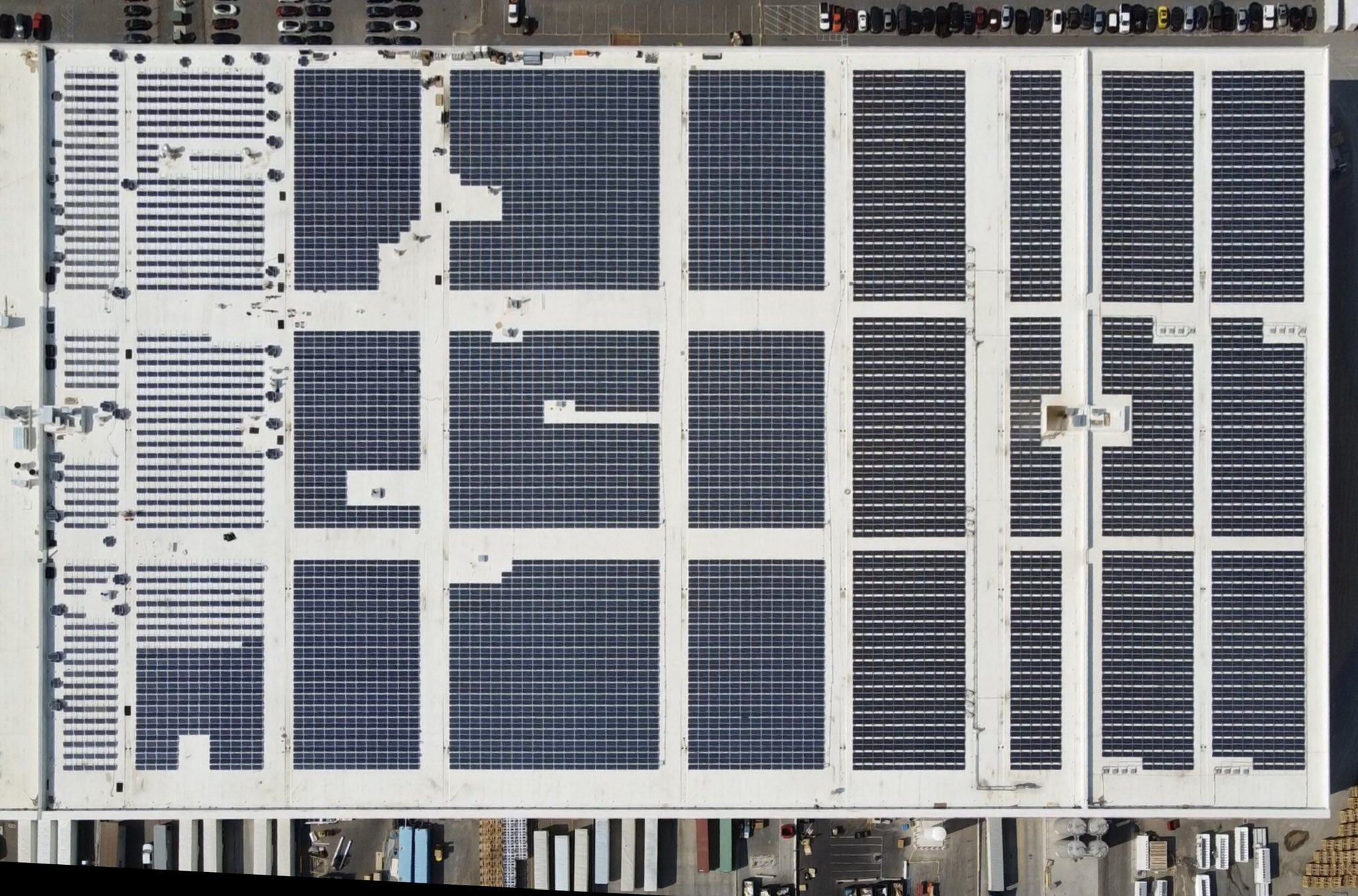 tesla-giga-nevada-solar-panels
