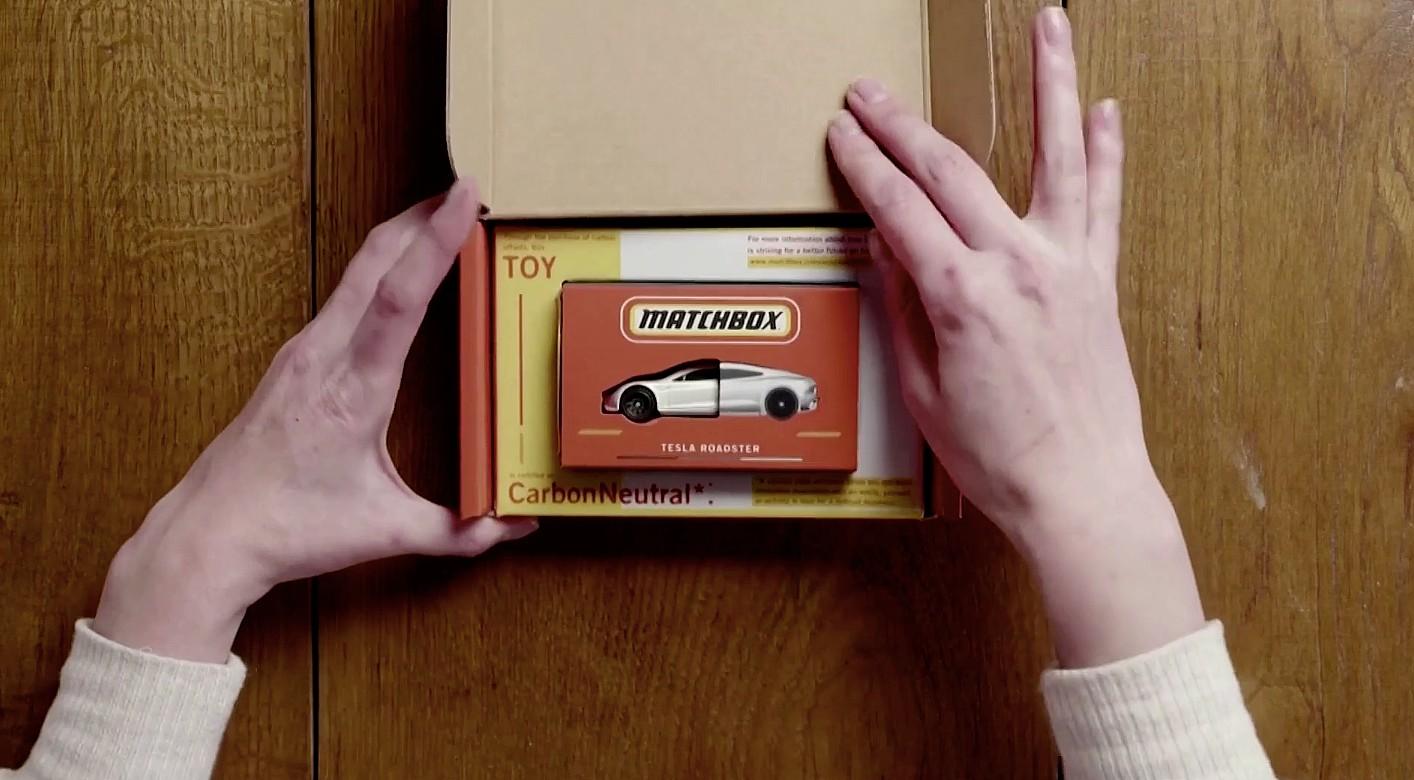 tesla-roadster-matchbox