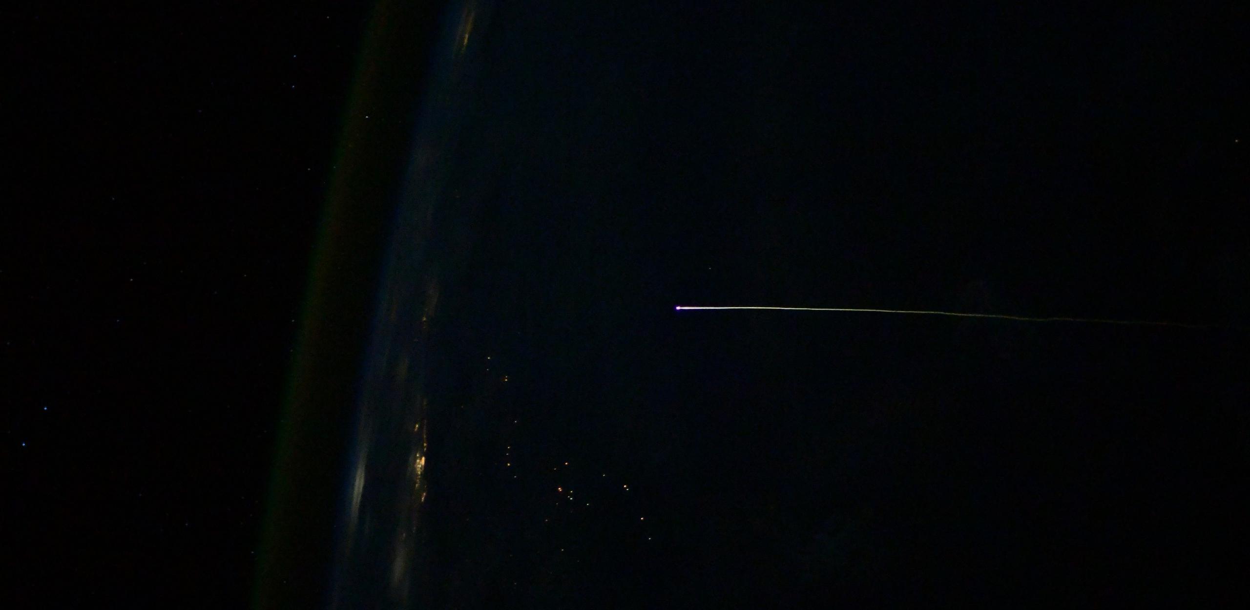 Crew Dragon C207 Crew-1 reentry 050221 (Thomas Pesquet – ESA) 2 crop (c)