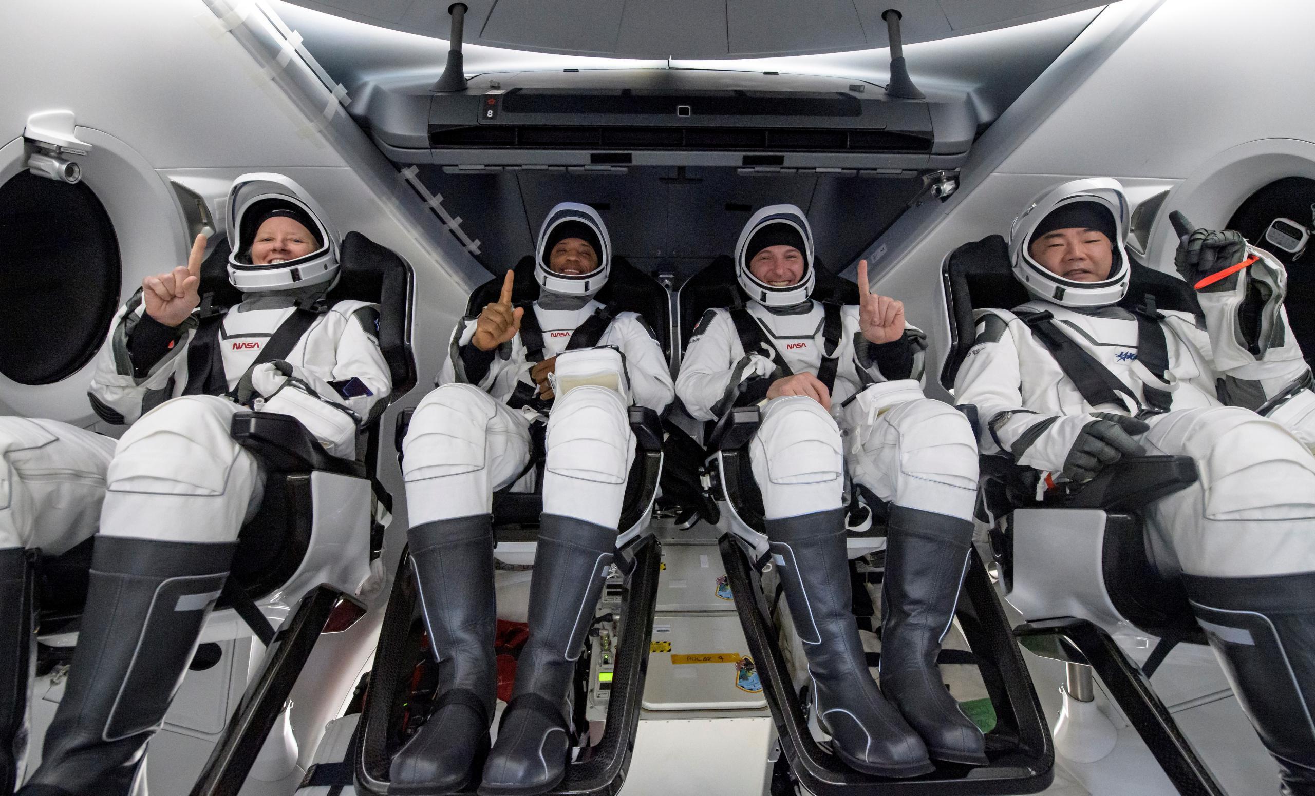 Crew Dragon C207 Crew-1 splashdown 050221 (NASA) Walker Hopkins Glover Noguchi 1 (c)