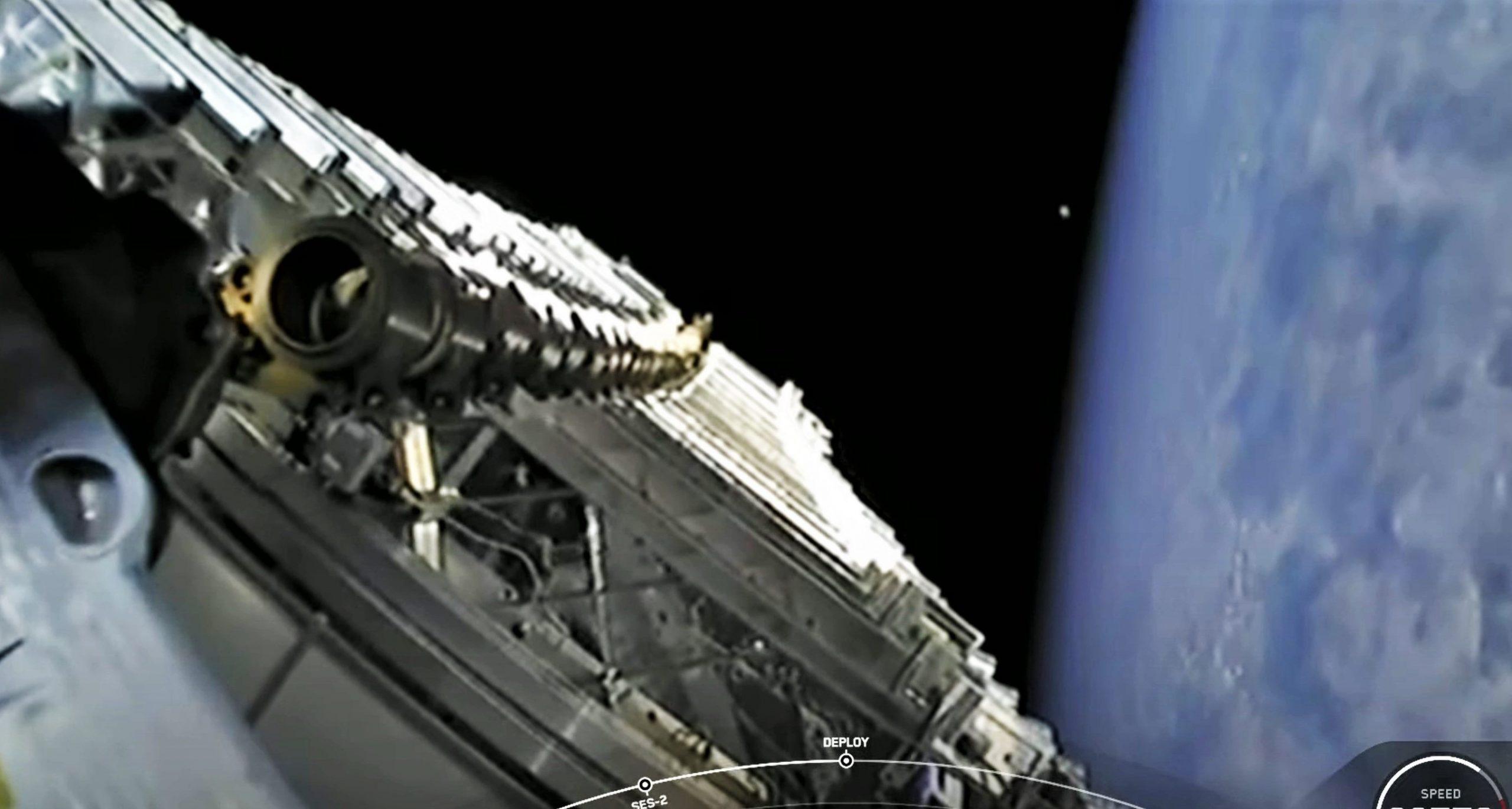 Starlink-24 Falcon 9 B1060 LC-40 042821 webcast (SpaceX) deploy 1 crop