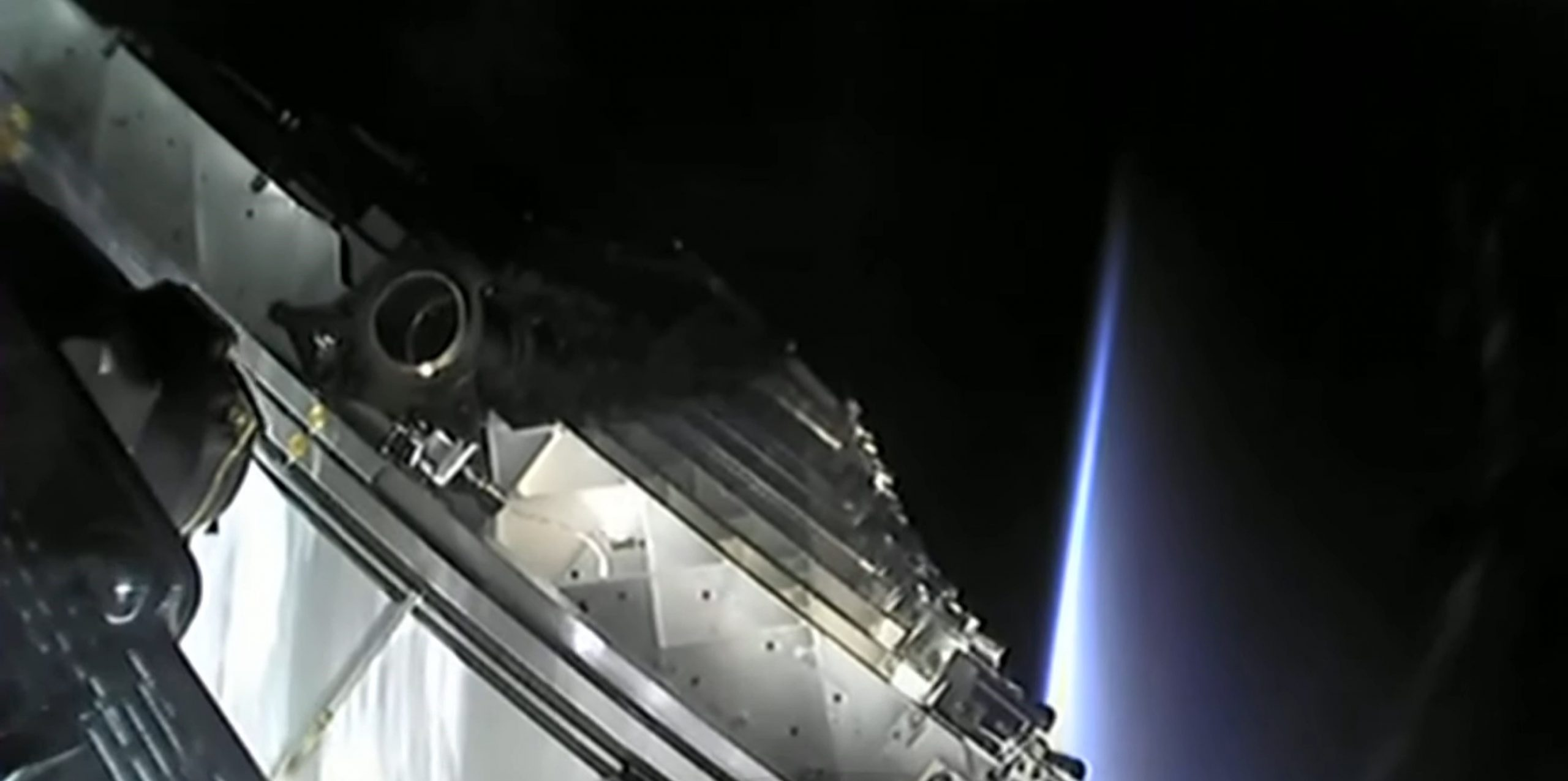 Starlink-25 Falcon 9 B1049 LC-39A 050421 webcast (SpaceX) stack 3 crop