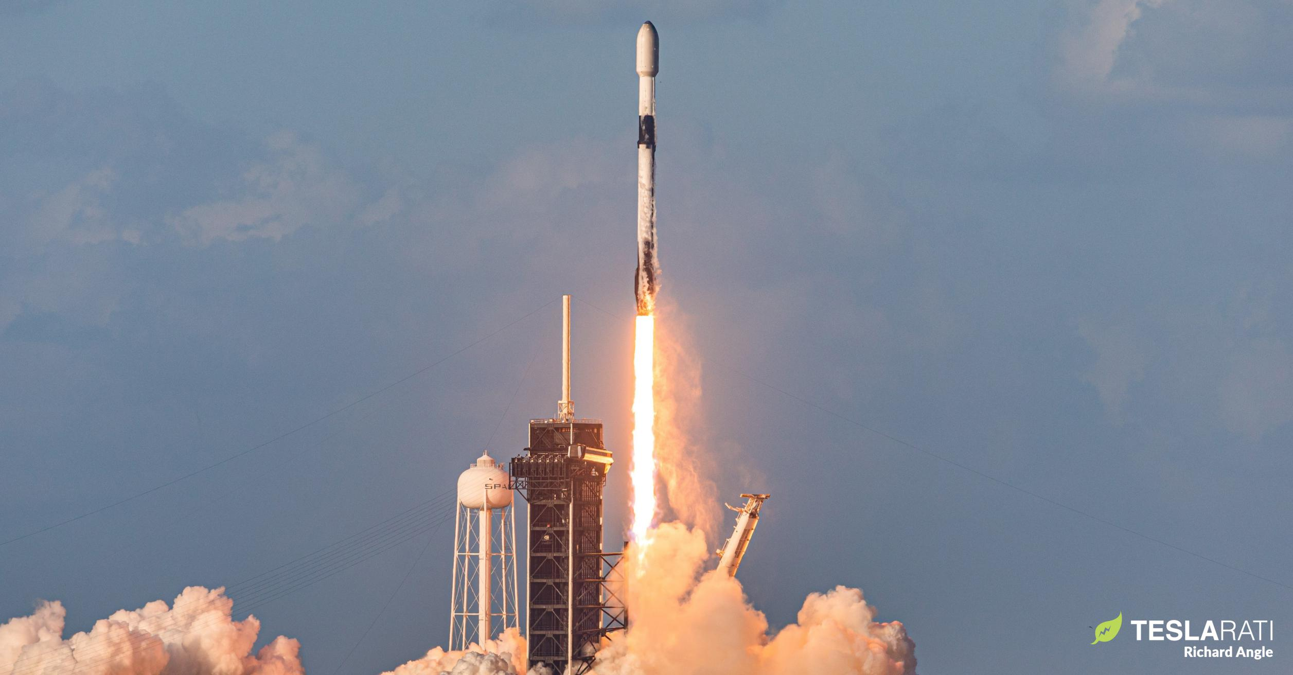 Starlink-26 Falcon 9 B1058 39A 051521 (Richard Angle) 1 crop 2 (c)