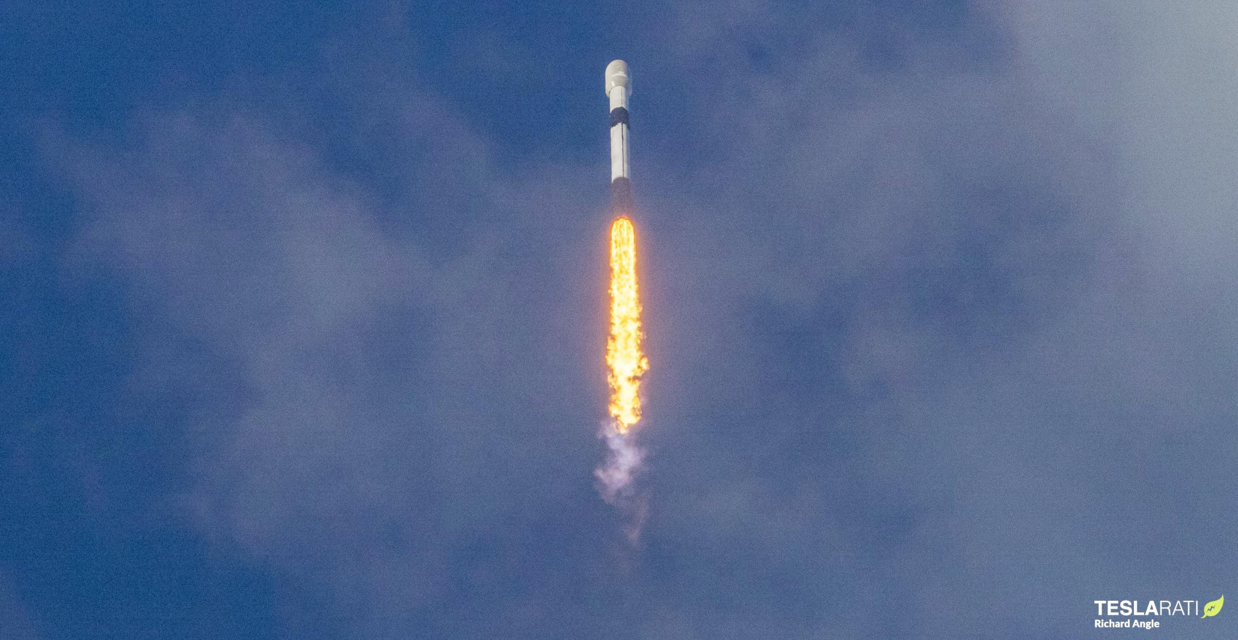 Starlink-26 Falcon 9 B1058 39A 051521 (Richard Angle) 2 edit (c)