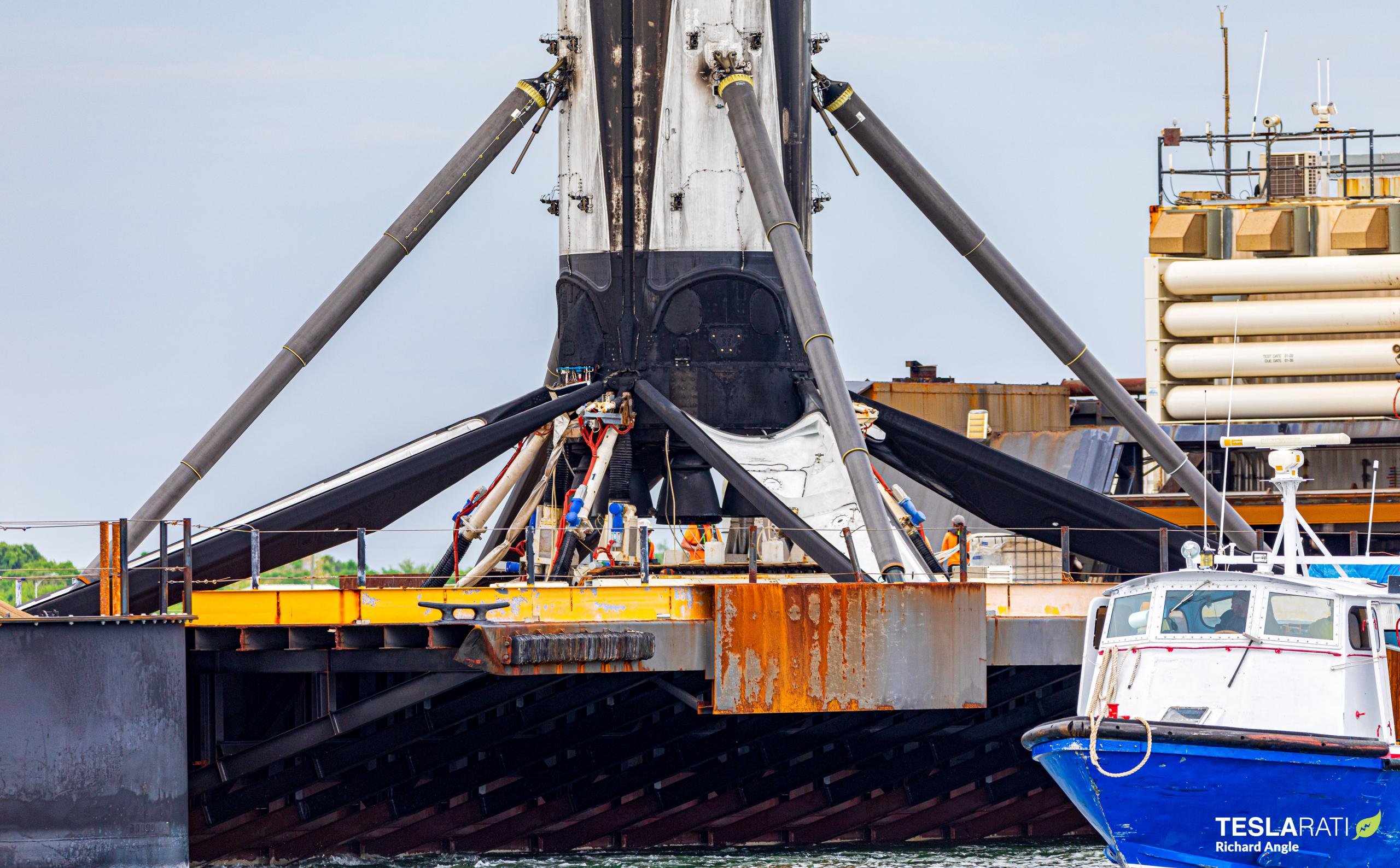 Starlink-27 Falcon 9 B1051 051221 (Richard Angle) port return 1 (c)
