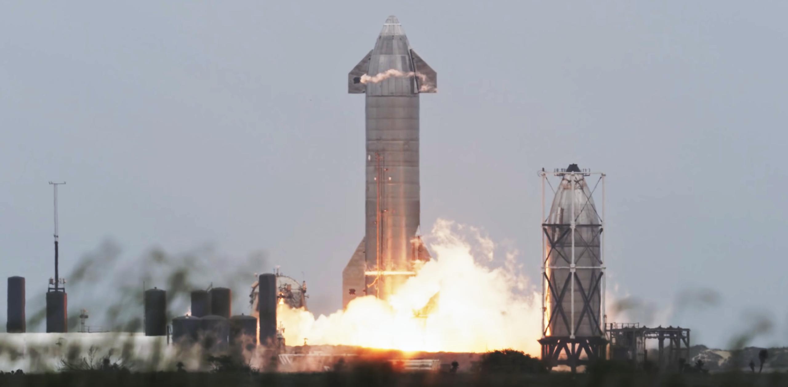 Starship SN15 10km flight test 050521 recap (SpaceX) liftoff 1 crop (c)