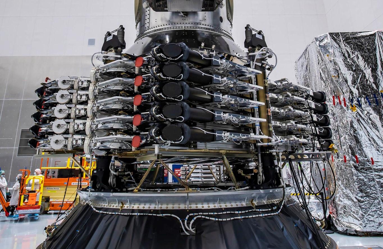 Transporter-1 143 satellites payload stack Jan 2021 (SpaceX) 2 crop
