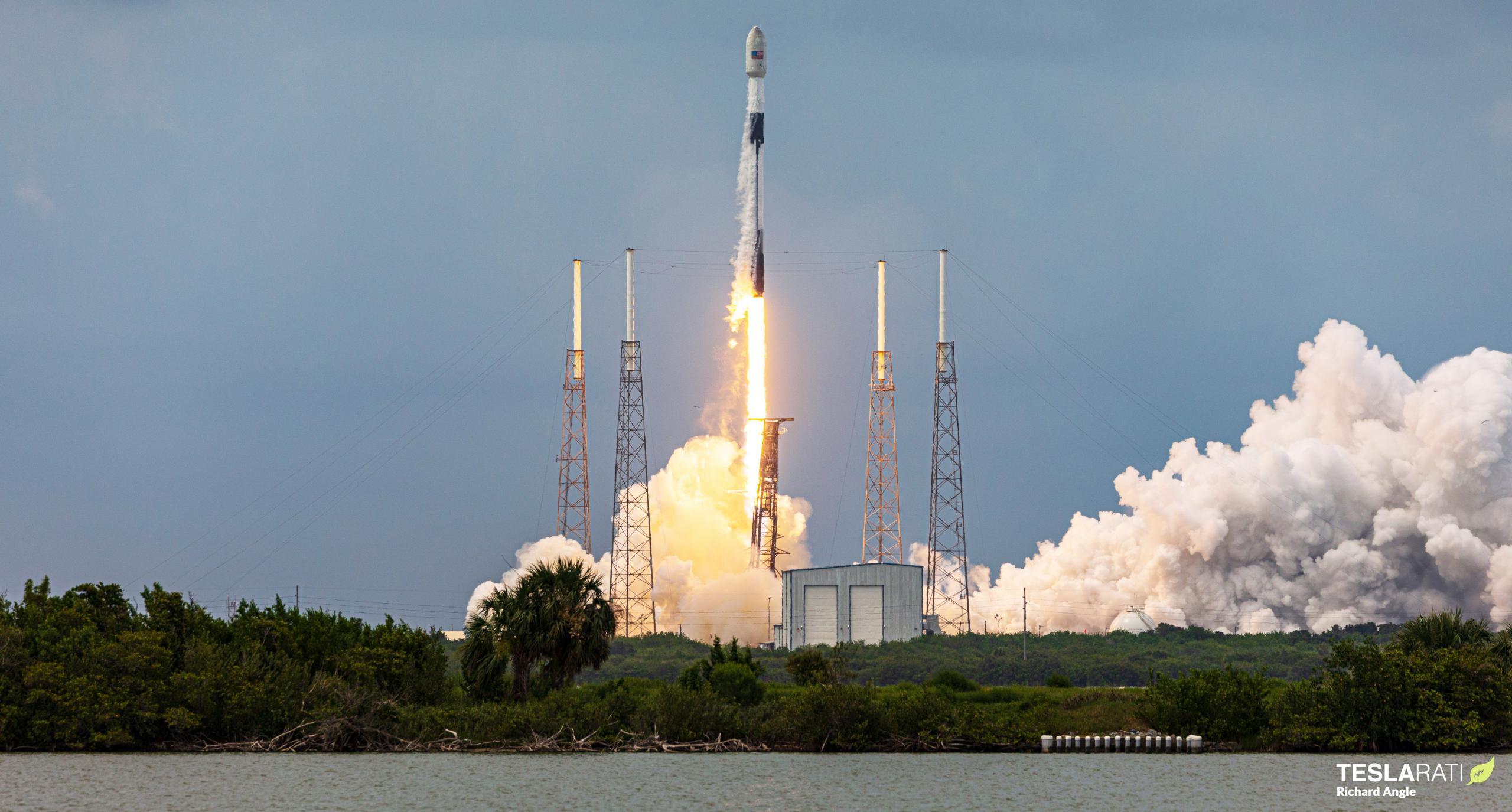 Transporter-2 Falcon 9 B1060 063021 (Richard Angle) launch 1 (c)