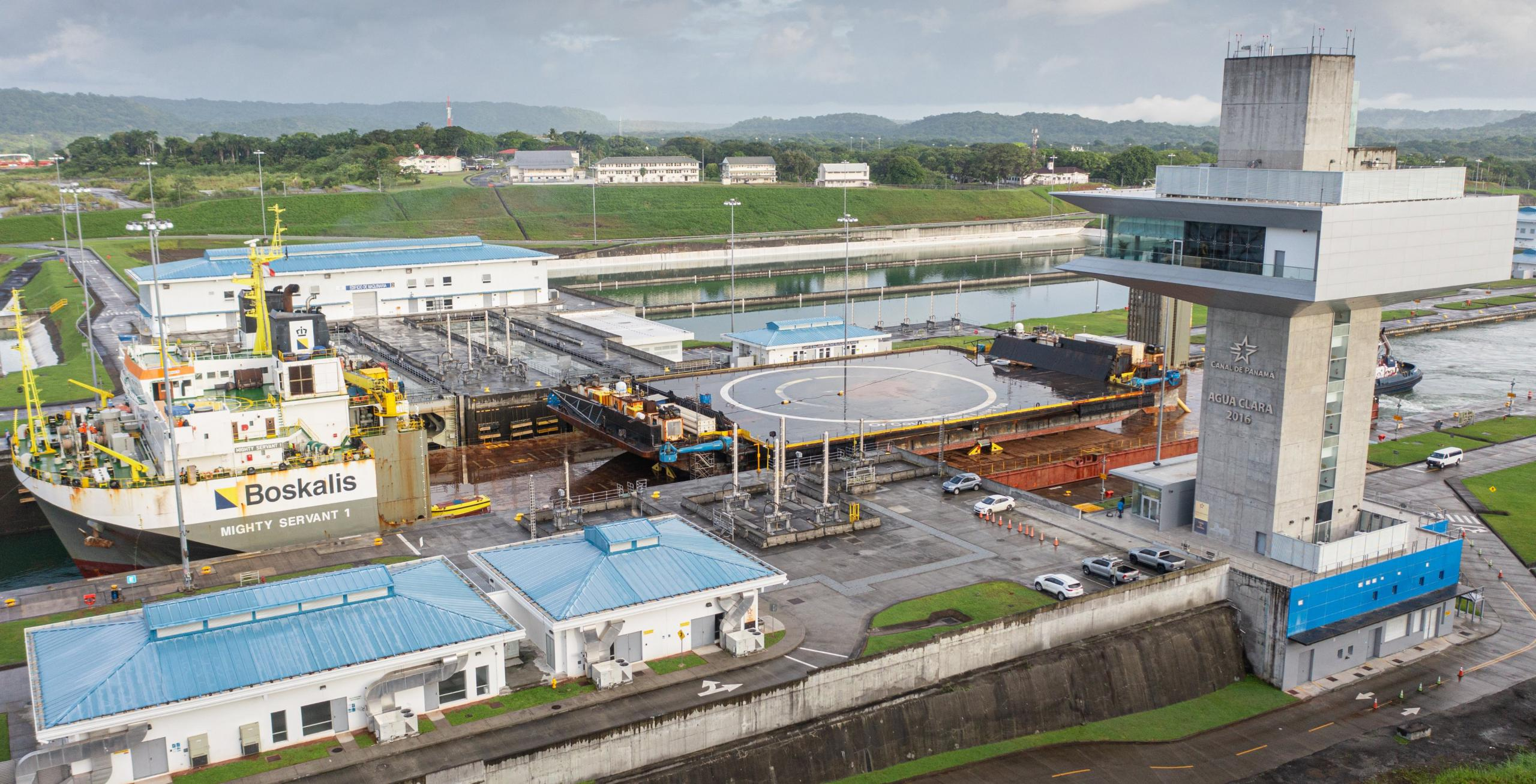 drone ship OCISLY canal transit 062521 (@ThePanamaCanal) 3 crop (c)