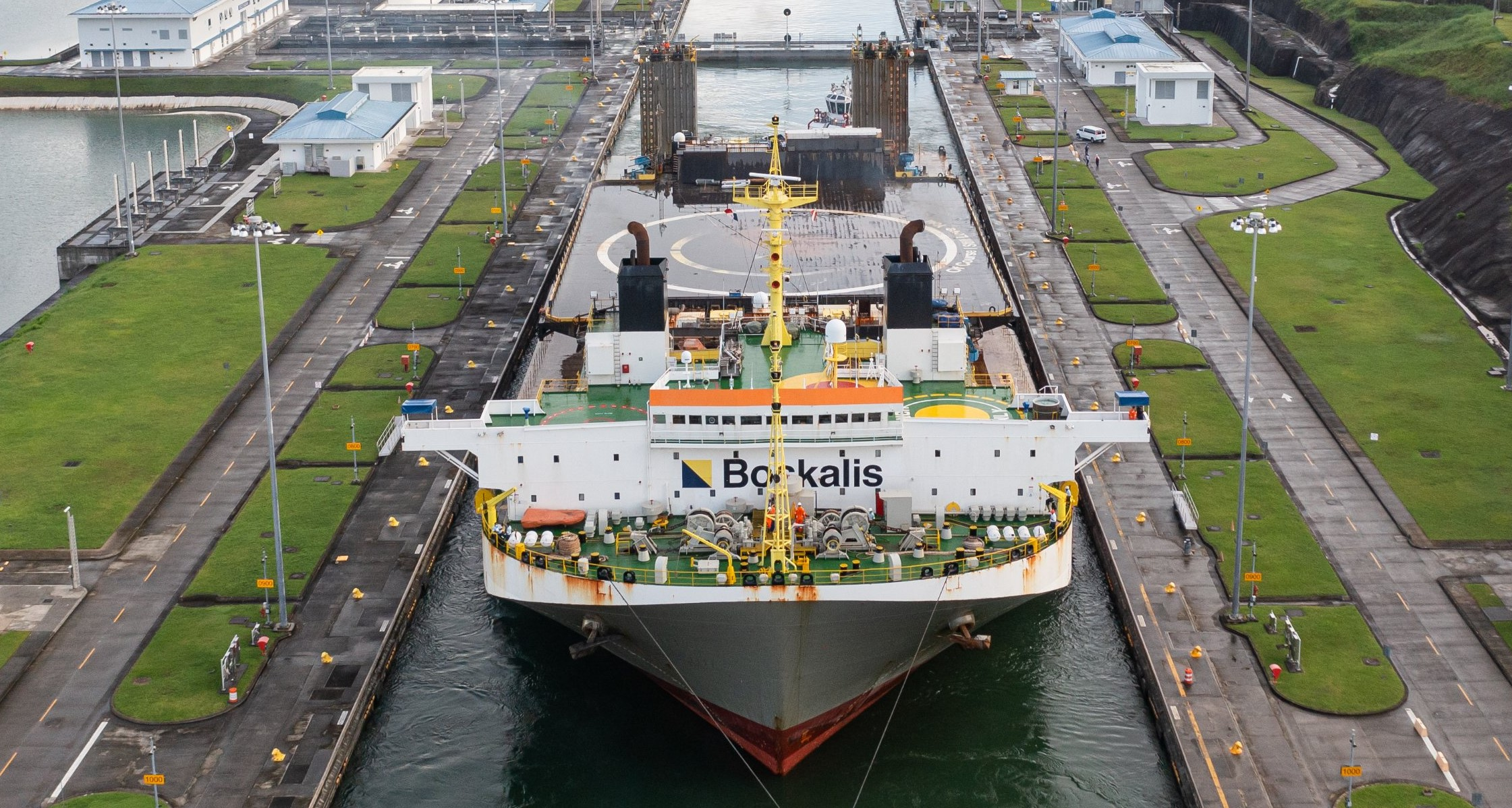 drone ship OCISLY canal transit 062521 (@ThePanamaCanal) 4 crop