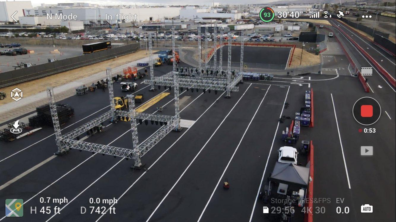 model-s-plaid-stage
