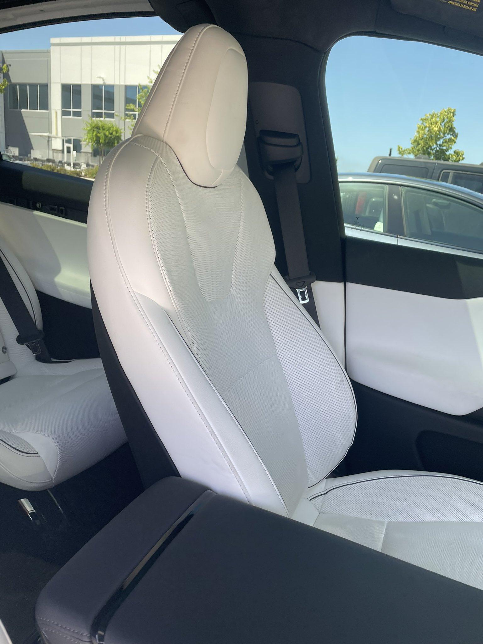 model-x-plaid-front-seat