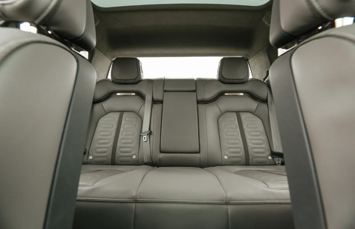 rivian-r1t-interior-2