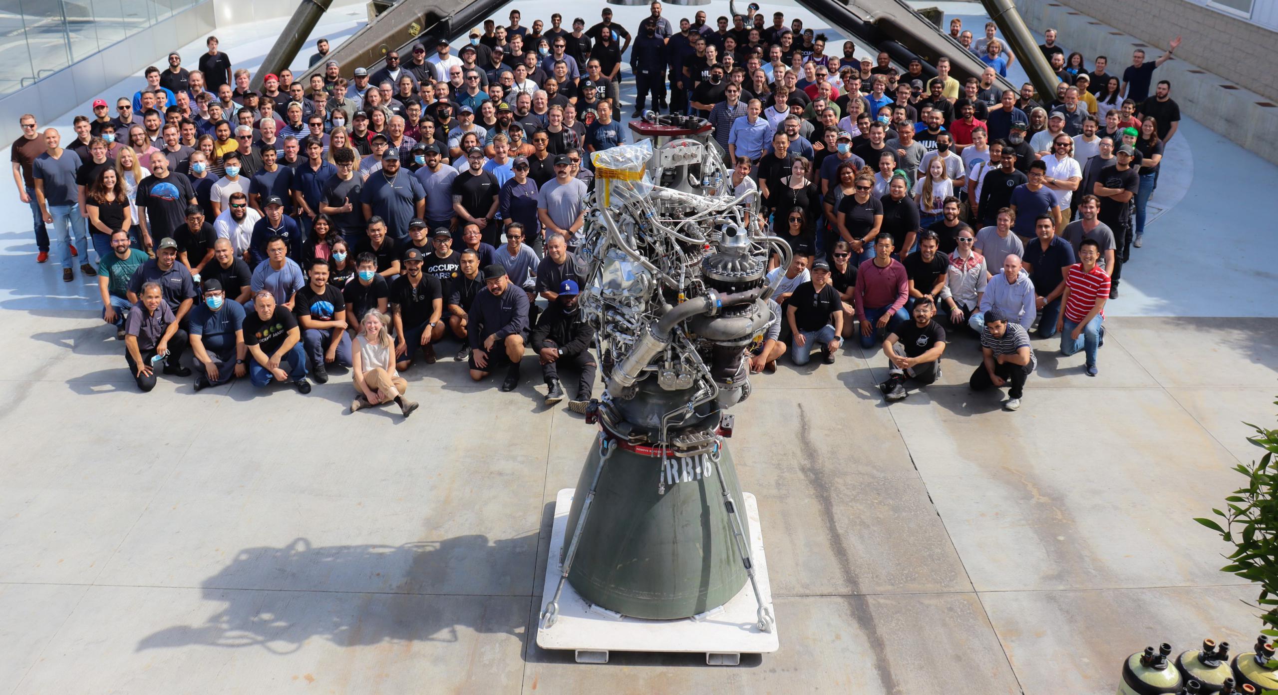 RB16 100th Raptor build Hawthorne 072621 (SpaceX) 1 crop (c)