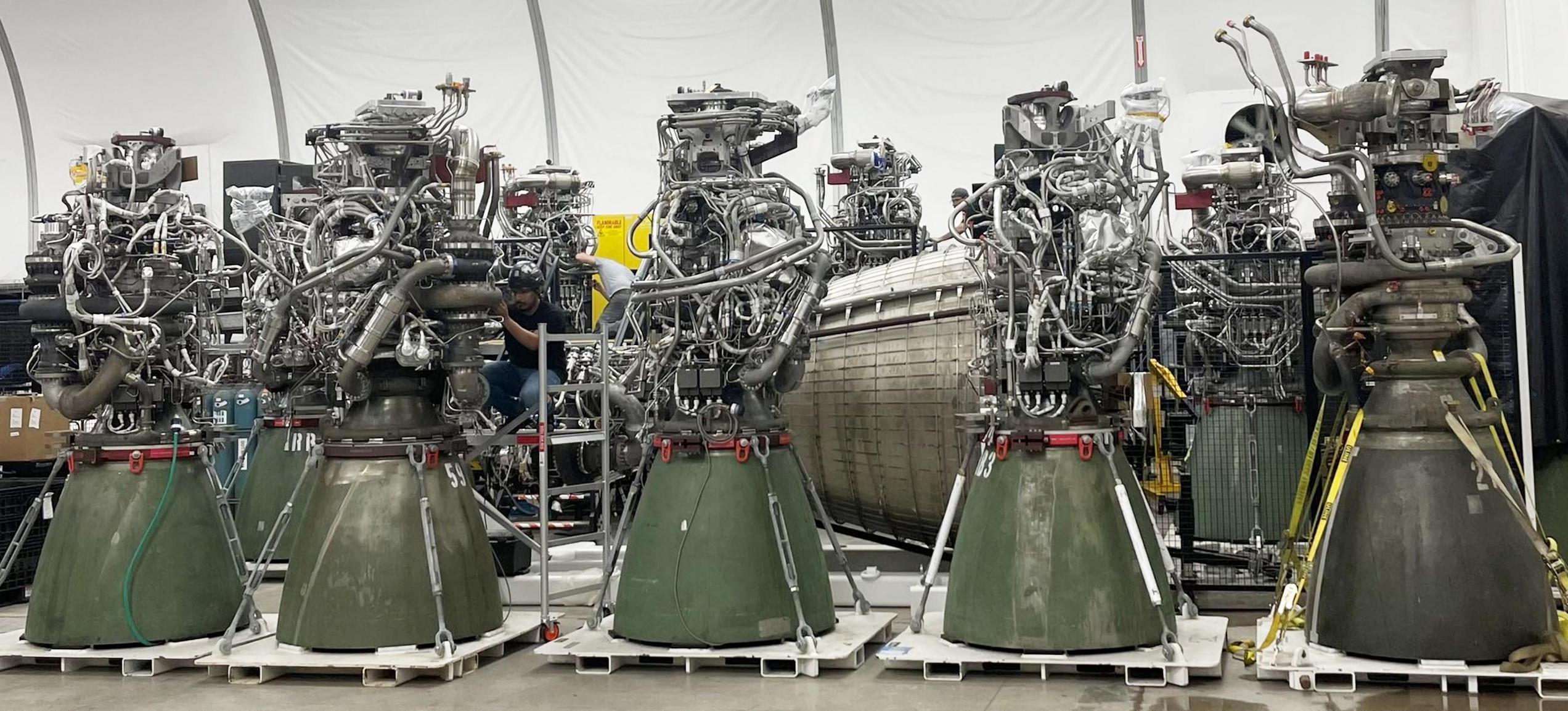 Starship Boca Chica Raptor engines (Elon Musk) 1 2X (c)