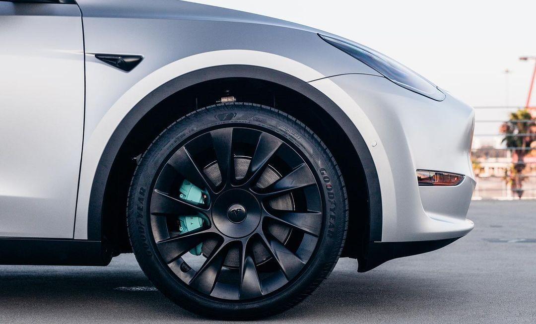 tesla-model-y-wheel