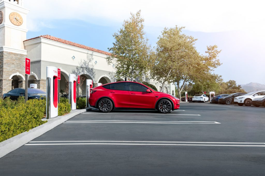 Tesla's strong August start confidently brings in reiterated support from Piper Sandler