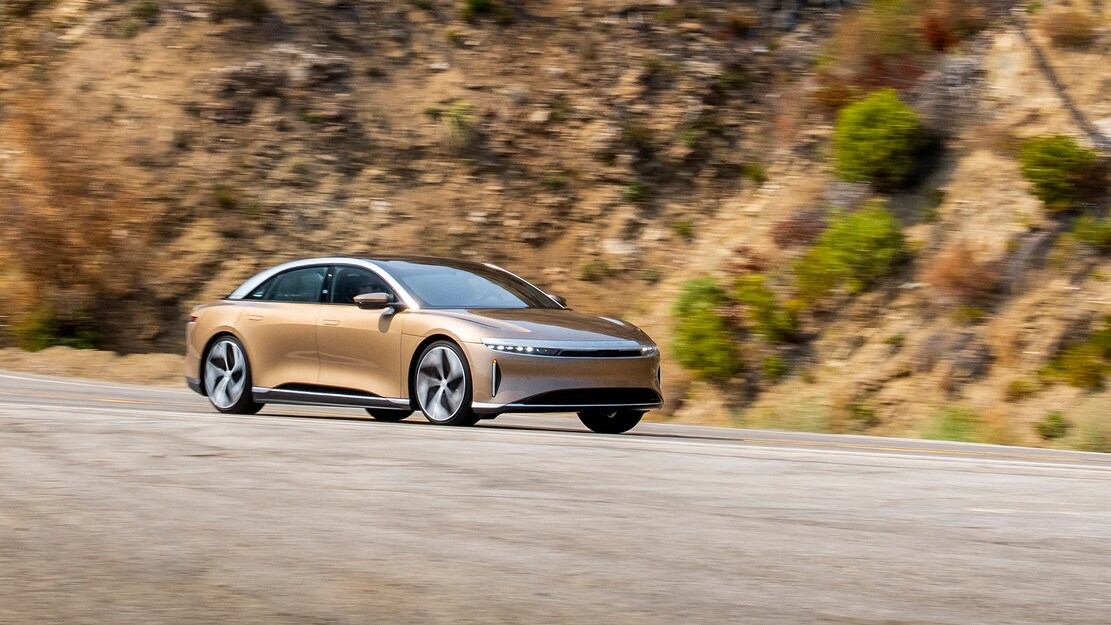 2022-Lucid-Air-Dream-Edition-R-Front-34-on-Canyon-Road