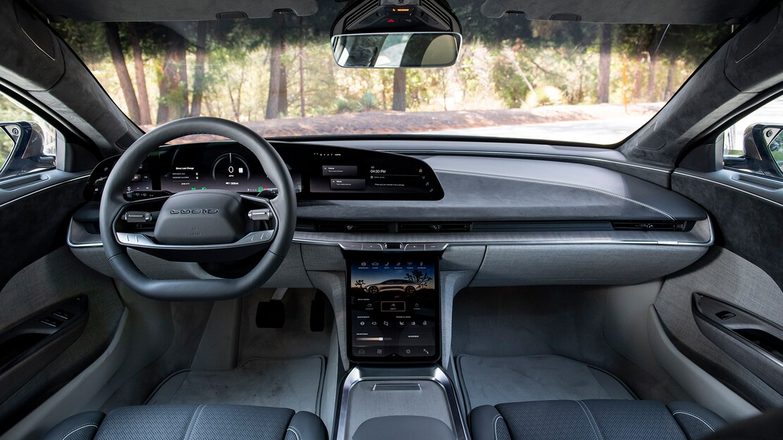 2022-Lucid-Air-Dream-Edition-R-Interior-Dashboard-and-Center-Stack