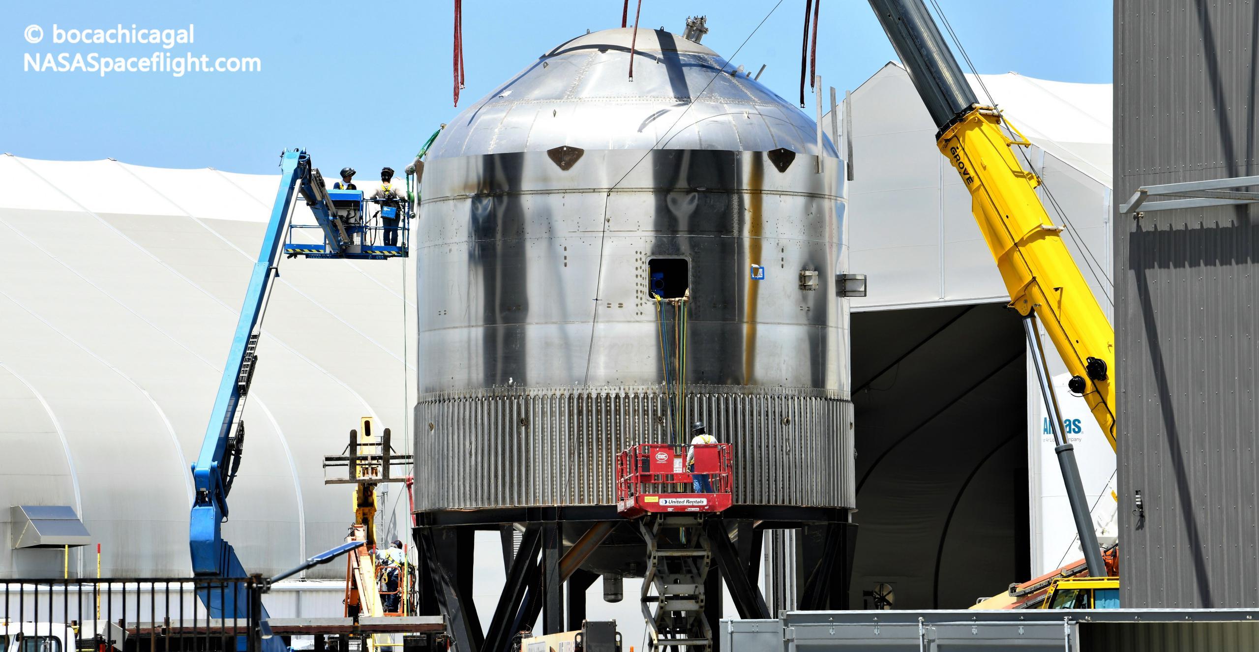 Starship Boca Chica 082021 (NASASpaceflight – bocachicagal) GSE4 mini tank 4 crop (c)