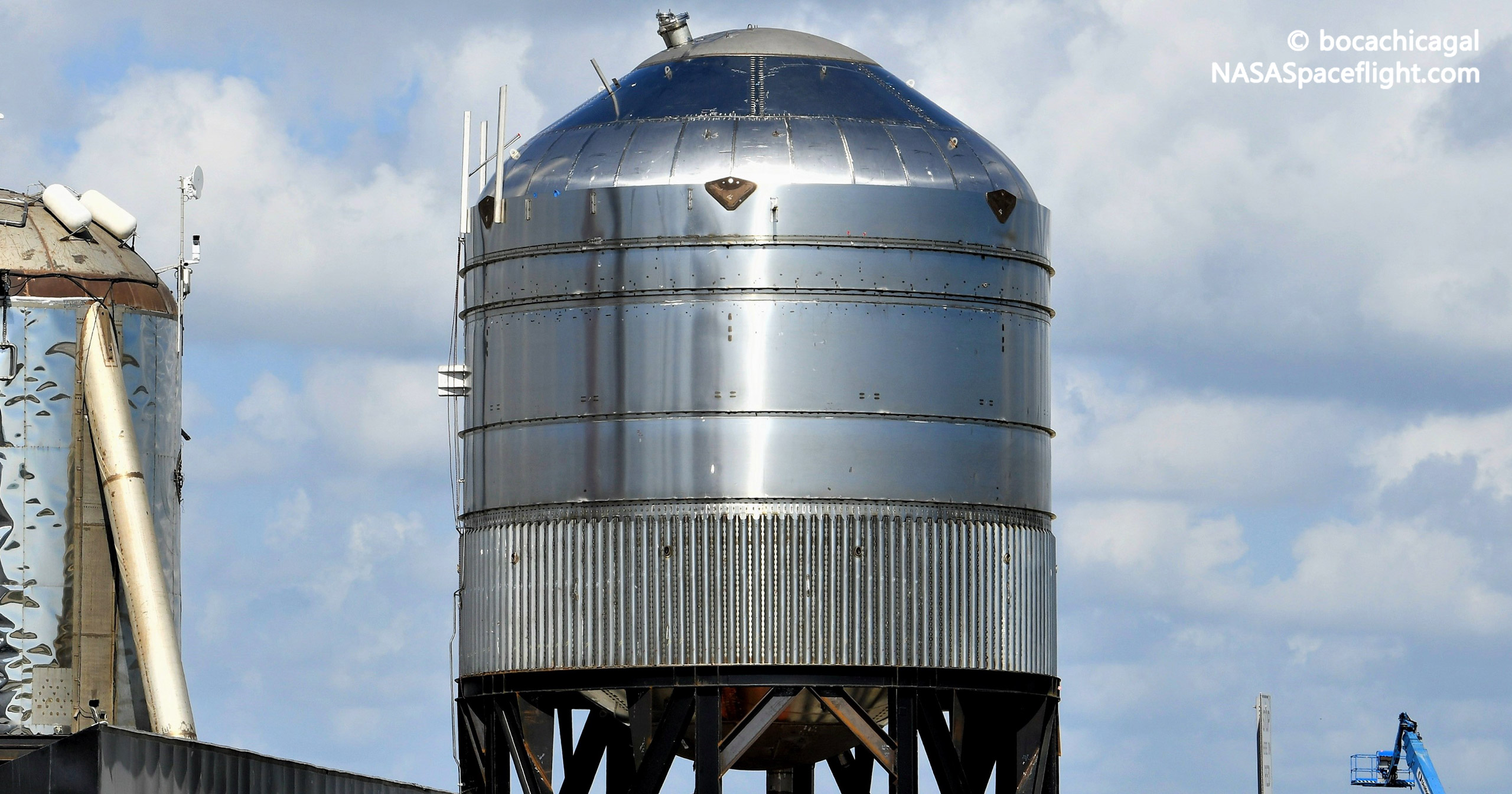 Starship Boca Chica 082321 (NASASpaceflight – bocachicagal) GSE4 test tank 2 crop 2 (c)