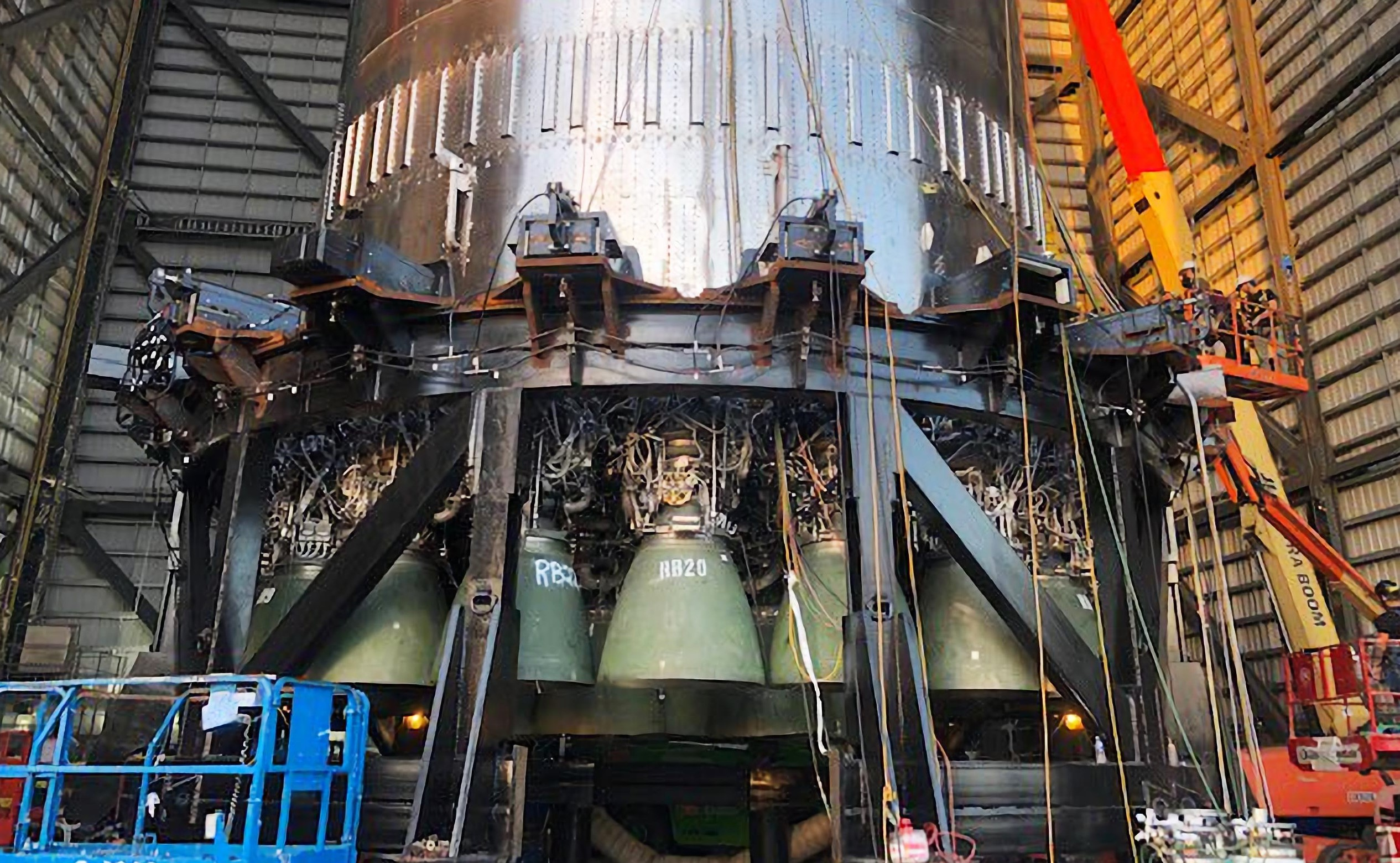 Super Heavy Booster 4 080221 (SpaceX) Elon Musk 29 engines 4X 1 crop