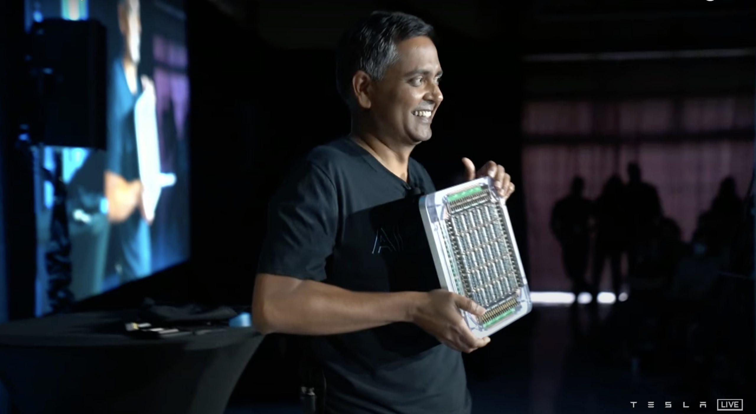 Tesla-dojo-supercomputer-chip-4