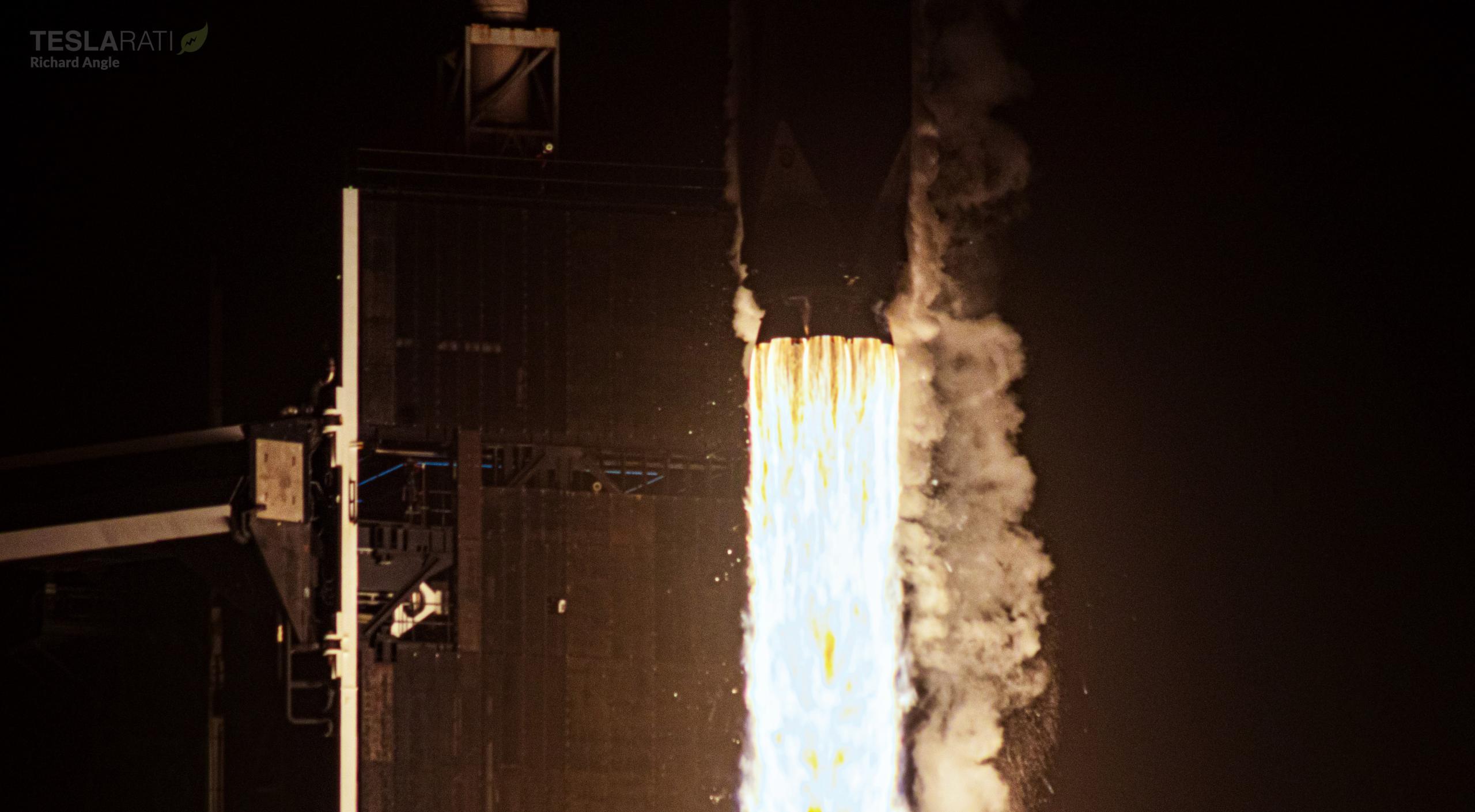 Cargo Dragon 2 CRS-23 Falcon 9 B1061 39A 082921 (Richard Angle) 2 crop (c)