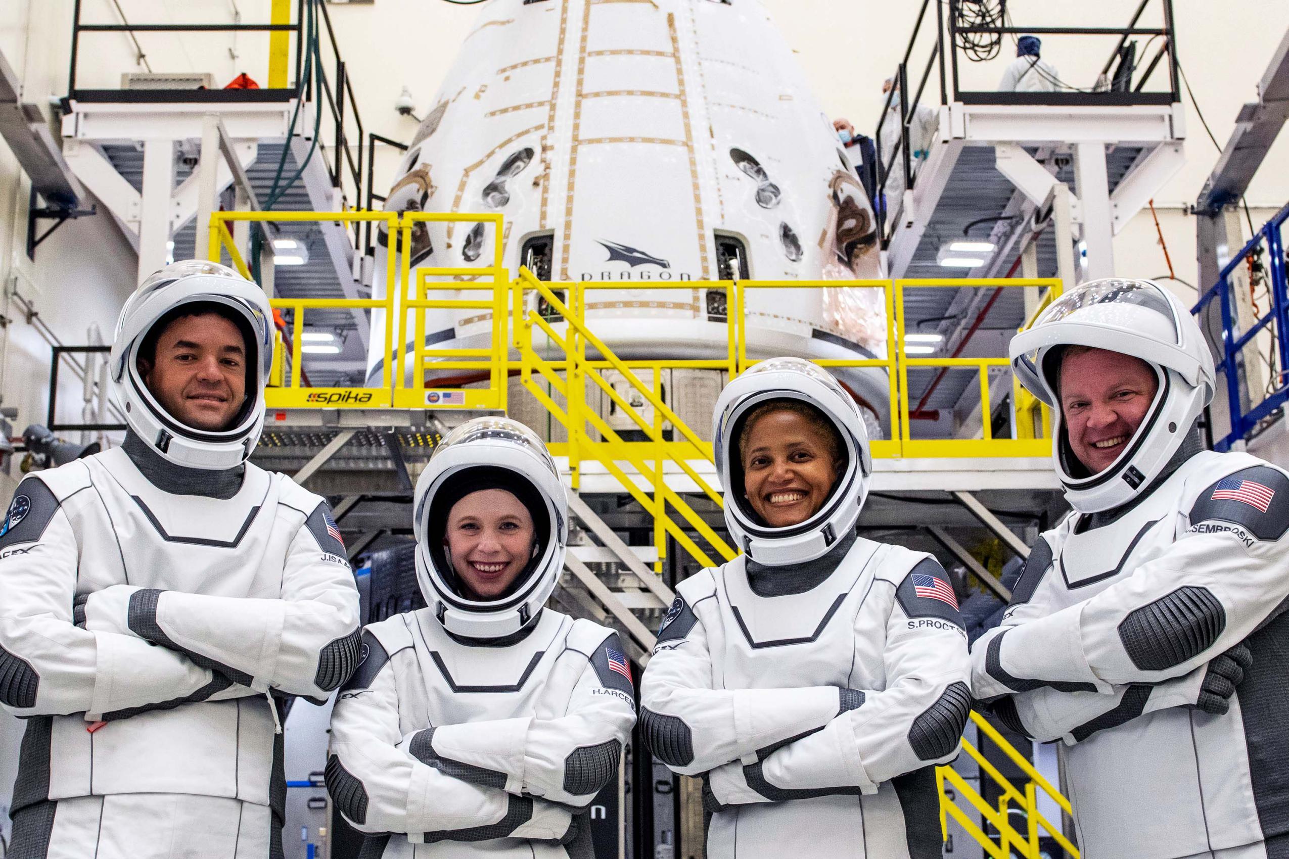 Inspiration4 Crew Dragon C207 KSC Aug 2021 (SpaceX) 1 (c)