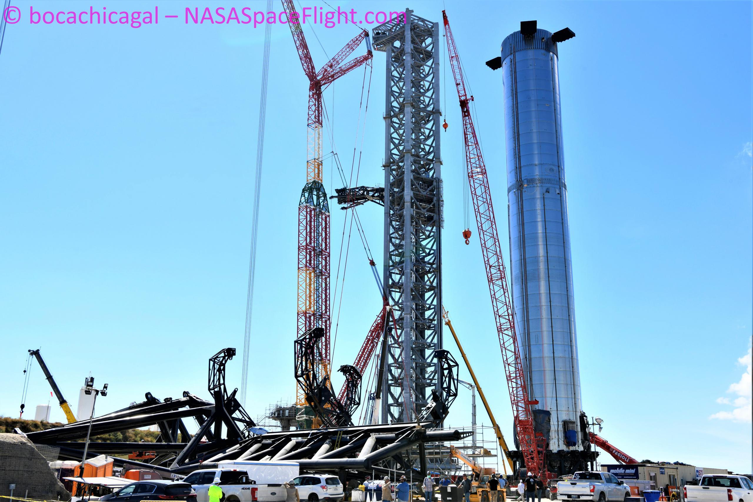Starbase 092621 (NASASpaceflight – bocachicagal) B4 + orbital pad + catch arms 1 (c)