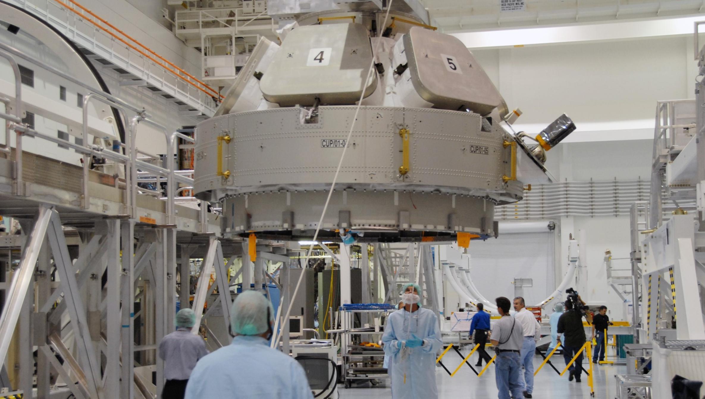 cupola ground processing ISS 2010 (NASA) 1