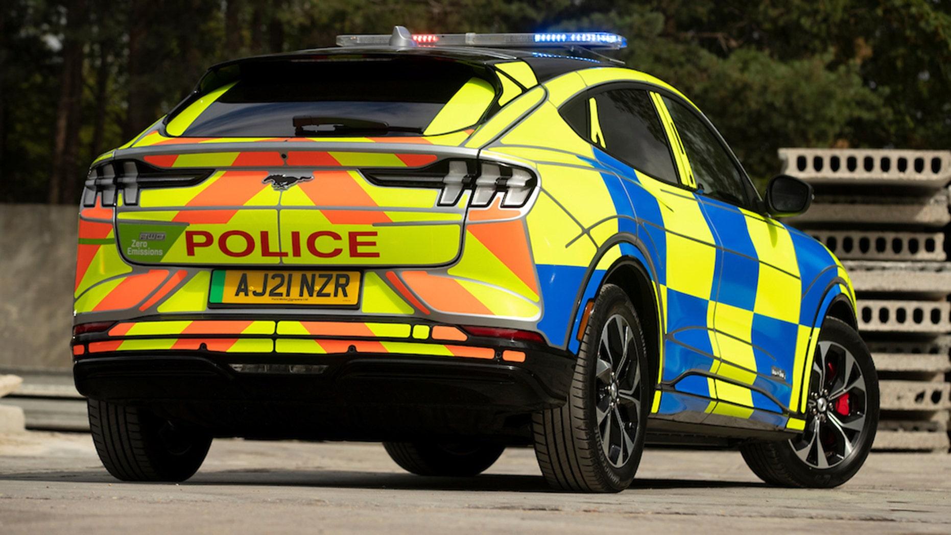 ford-mach-e-police-2