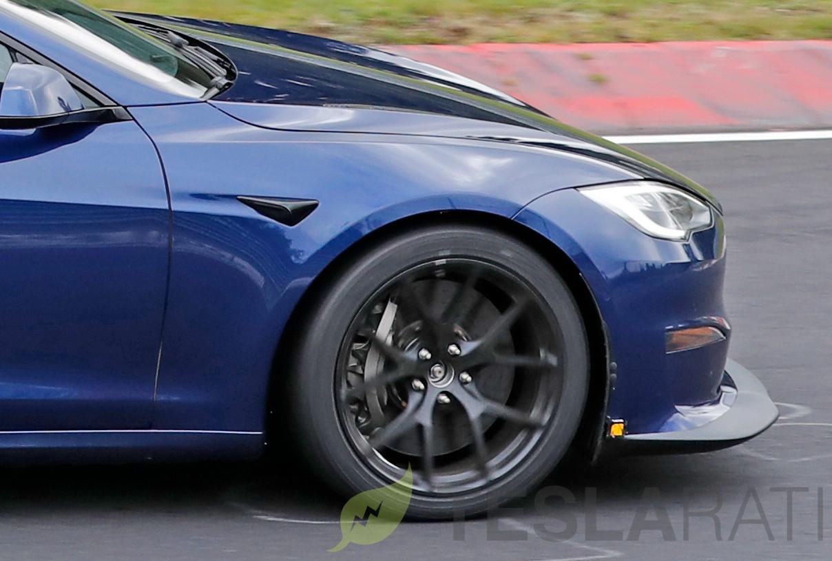 tesla-model-s-plaid-brakes-nurburgring-track-pack